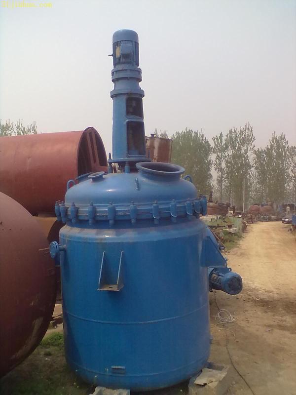 耐高温二手3吨搪瓷反应釜-华谊二手油脂化工设